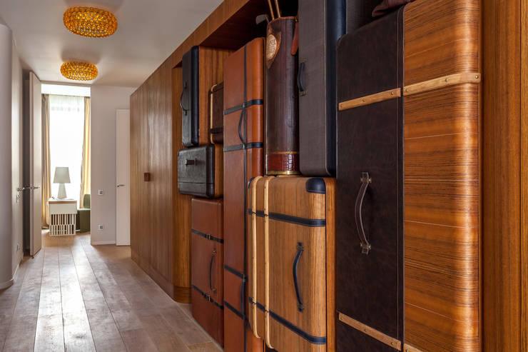 modern dandy a traveller's tale: Maisons de style  par goodnova godiniaux