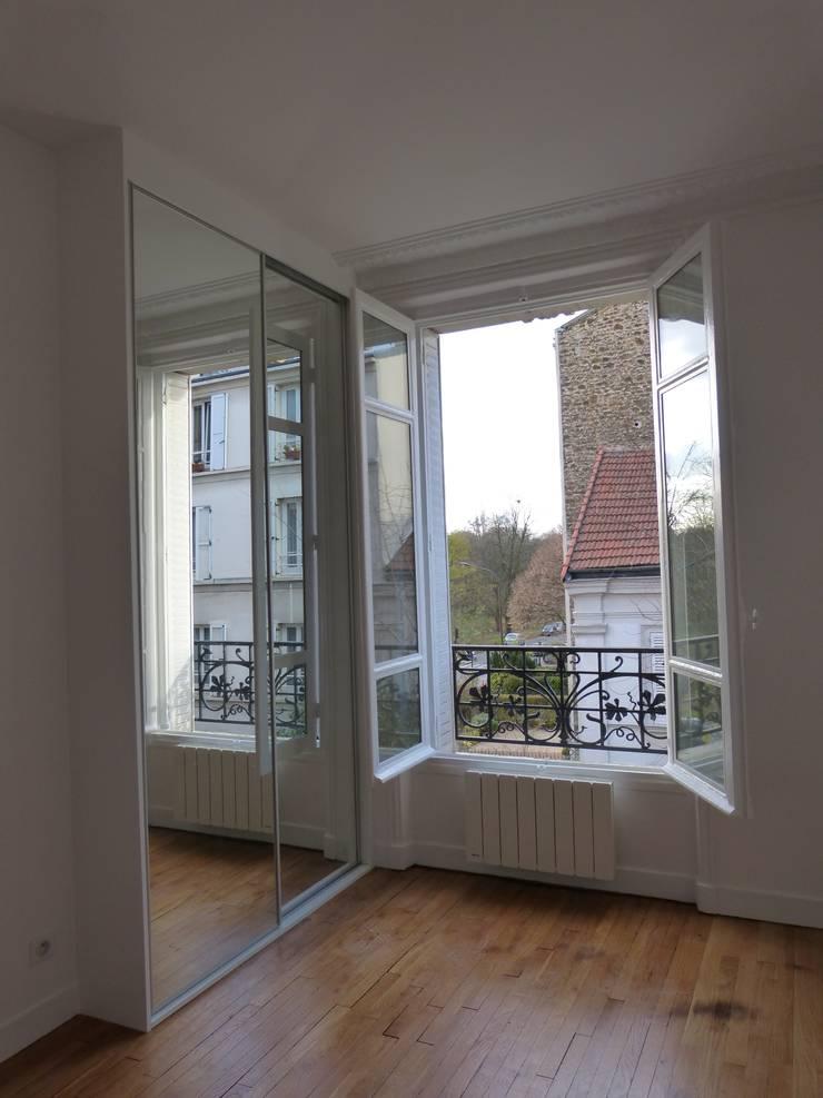 Rénovation Complète d'un appartement: Maisons de style  par Lou RIOS Architecte