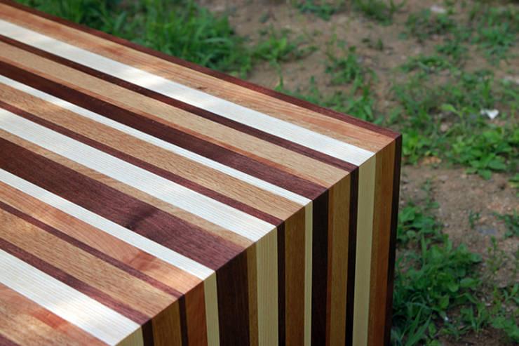 거실테이블: 가구를 작곡하다의  정원