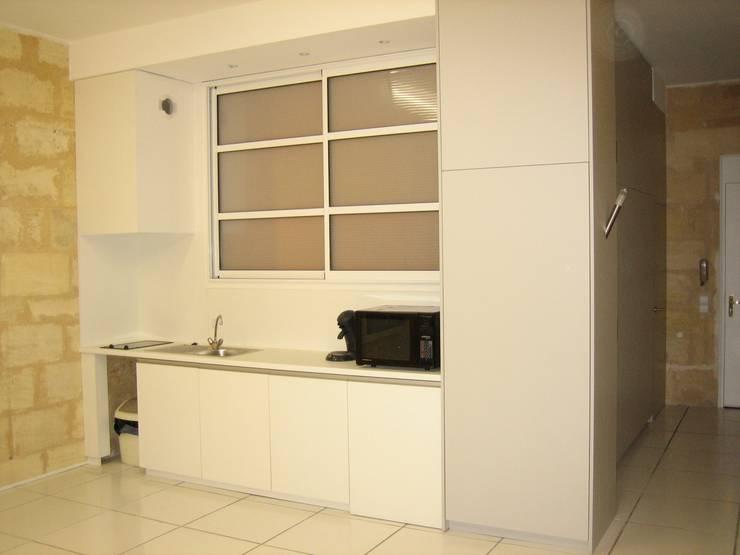 Appartement T2:  de style  par Architecte