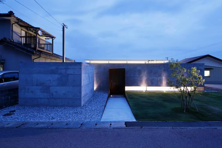 Casas de estilo  por TNdesign一級建築士事務所