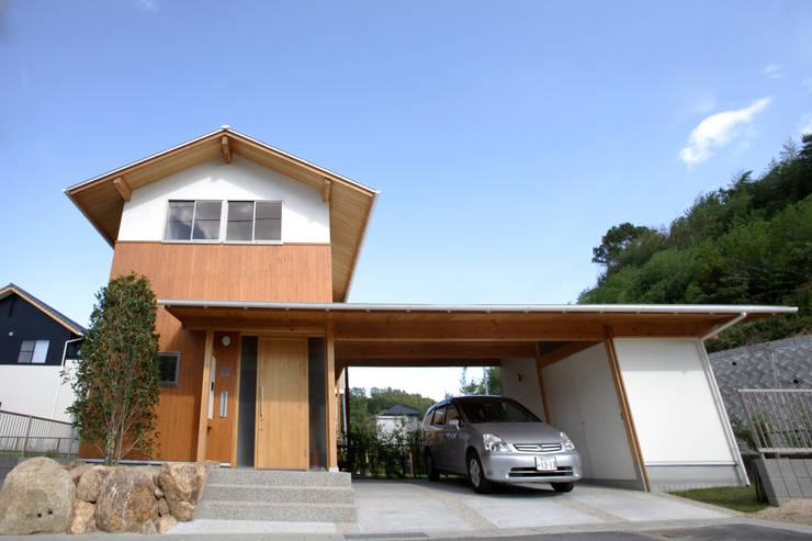 外観: 三宅和彦/ミヤケ設計事務所が手掛けた家です。,