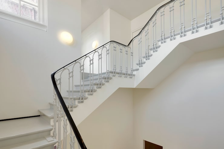Corridor & hallway by Wiel Arets Architects