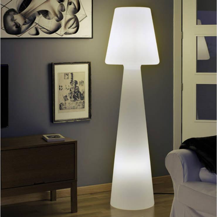 Lampadaire Casa Light 165cm sur secteur pour l'intérieur: Balcon, Veranda & Terrasse de style  par Ecreativ