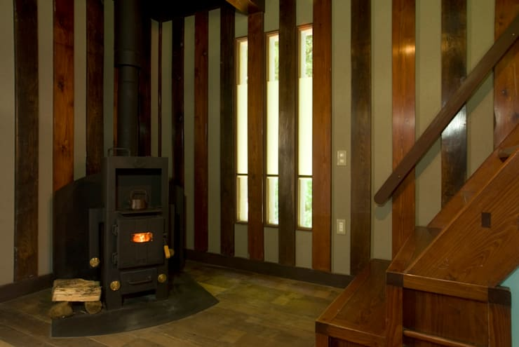 暖炉のコーナー。: O設計室が手掛けたです。