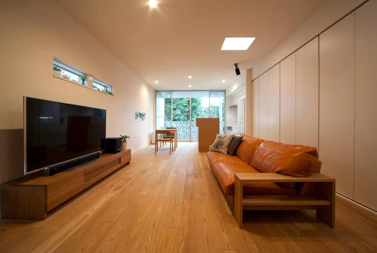 House F,nagamine: 有限会社 森 繁・建築研究所が手掛けた家です。