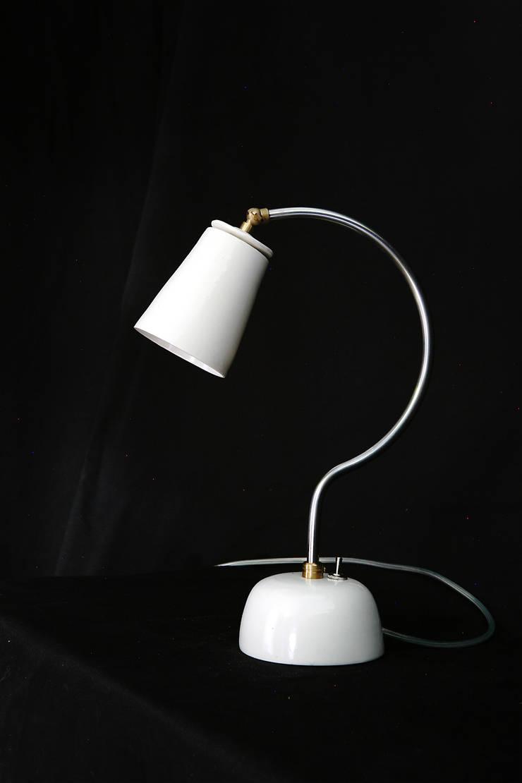 Tischleuchte Gratus aus:  Arbeitszimmer von material + keramik,