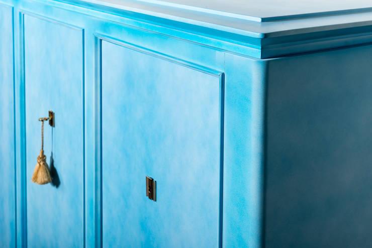 Buffet de La Maison Dominique en Laque bleu ciel  Nuagé  circa 1940.: Art de style  par BDV Deco et Dany Art design