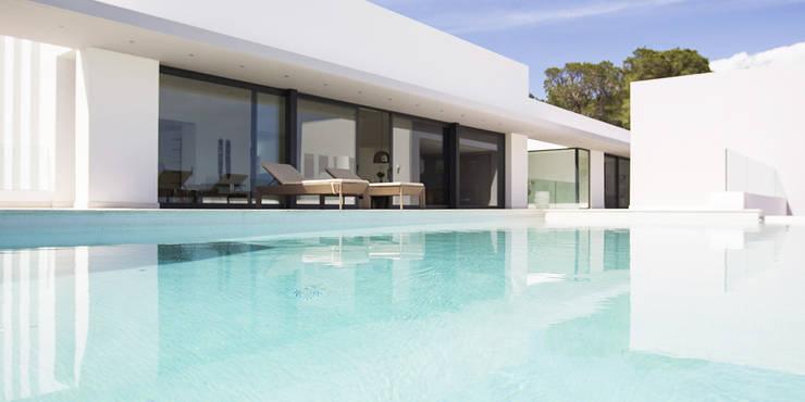 Villa Montesol, Ibiza:  Garten von STUDIO JAN WICHERS