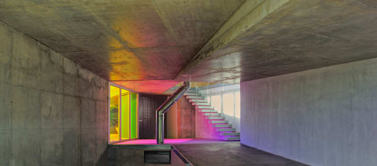 invasión de color: Casas de estilo  de Espegel-Fisac architects