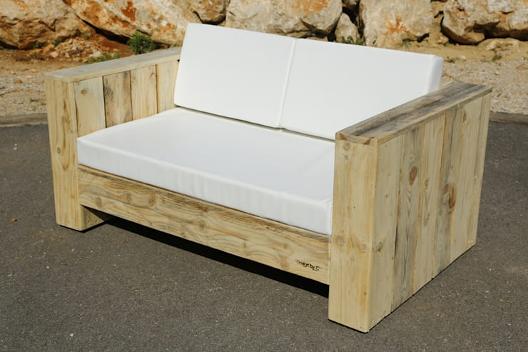 Canapé ANTIBES: Salon de style  par Wood BC