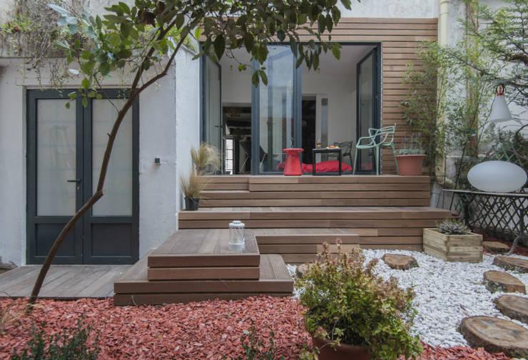 jardin suspendu: Terrasse de style  par goodnova godiniaux