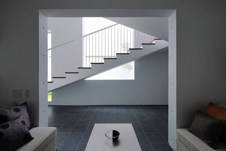 Tender concrete: 半谷彰英建築設計事務所/Akihide Hanya Architect & Associatesが手掛けた家です。