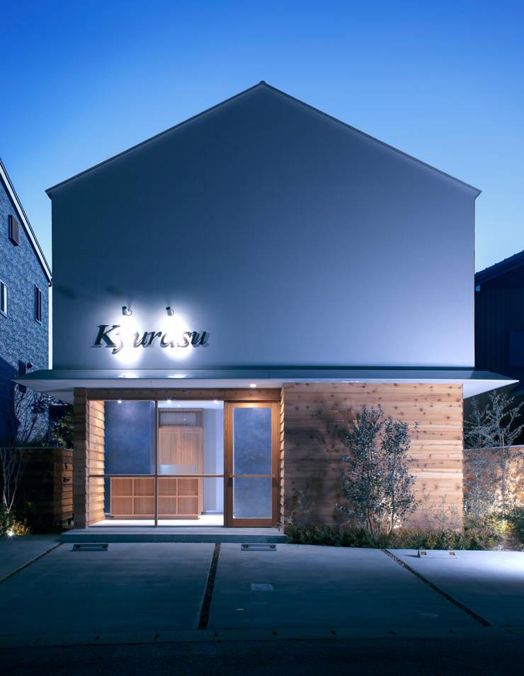 外観 夜景: アトリエ FUDOが手掛けたオフィススペース&店です。