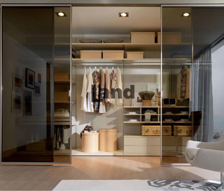 Land Home Specialist – Panel Sistem Giyinme Odası:  tarz Giyinme Odası