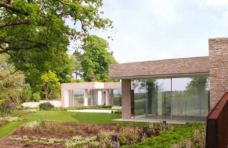 Underground House:  Houses by LEES MUNDAY Architects