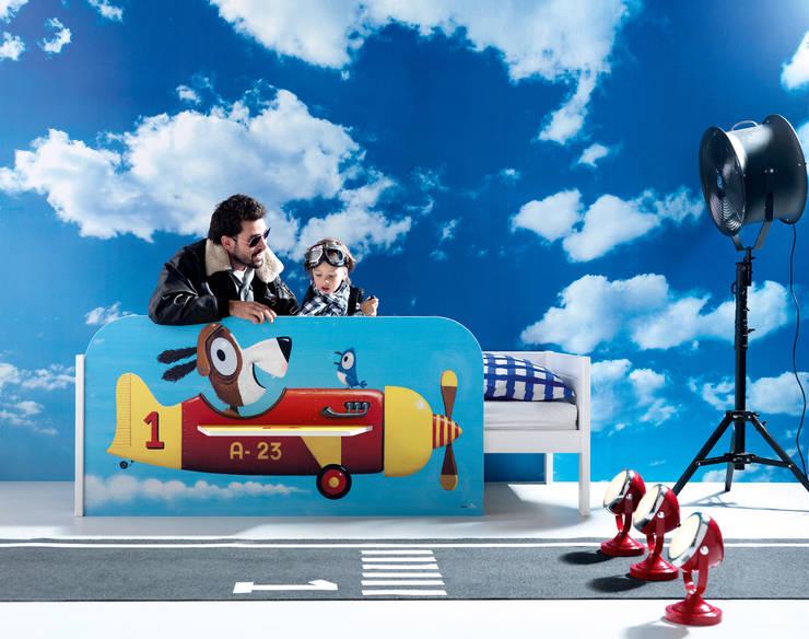 Illustrated Aeroplane Kids Bed:  Nursery/kid's room by Cuckooland