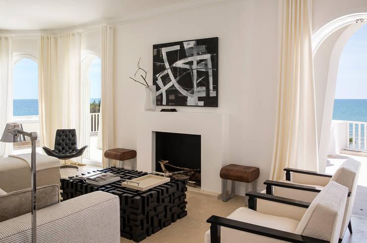 Salas / recibidores de estilo  por Stefano Dorata