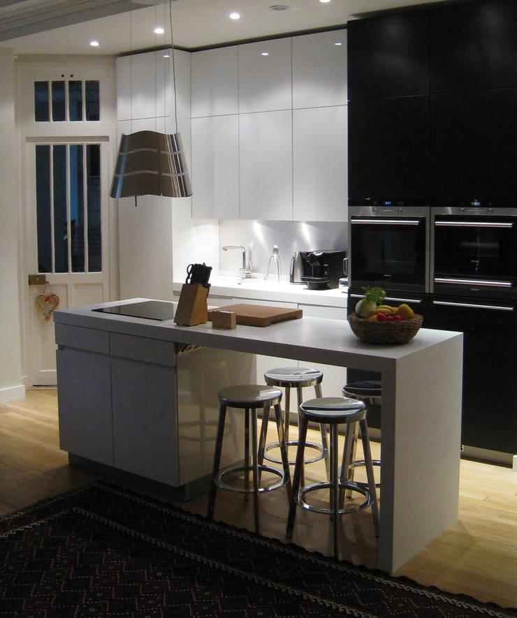 appartement haussmannien architecture int rieure paris 17 em by philippe ponceblanc architecte d. Black Bedroom Furniture Sets. Home Design Ideas
