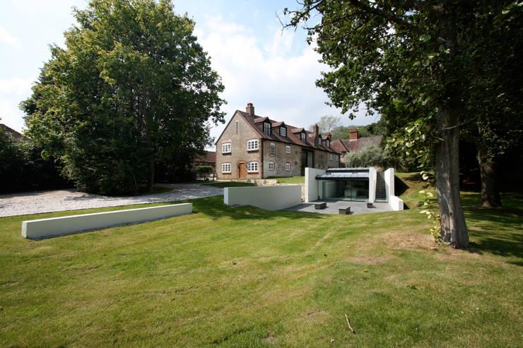 High Barn: Astronaut Kawada Architectureが手掛けた家です。