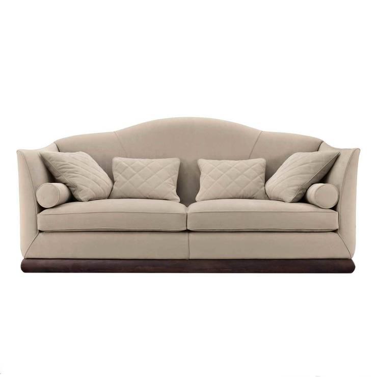 Kilim Sofa by Capital Decor:  Living room by Passerini Casa