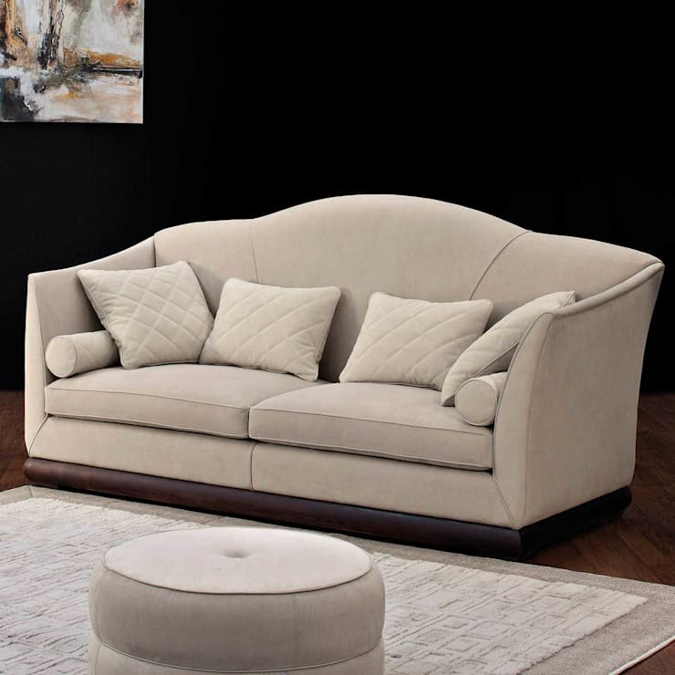 Kilim Sofa:  Living room by Passerini Casa
