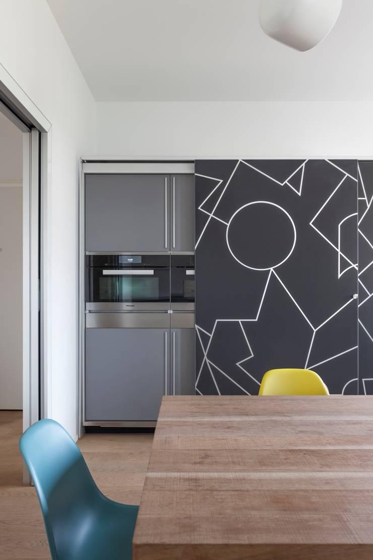 Casa CR:  in stile  di Marg Studio, Moderno