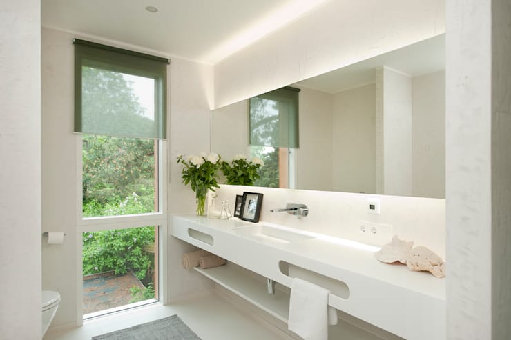 modern Bathroom by Cubus Projekt GmbH