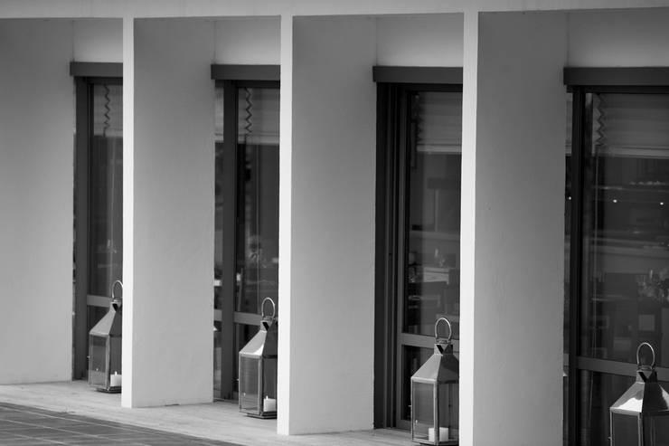 Rénovation d'une Auberge Basque: Hôtels de style  par Christian Larroque