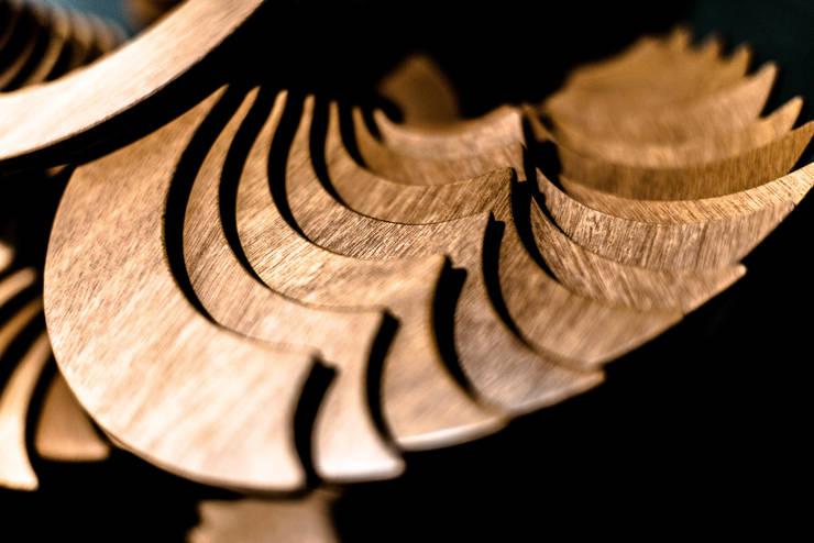 DISKOVER OKUME: Arte de estilo  de UNAMO design