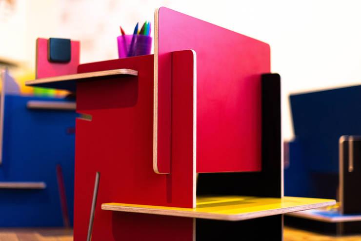 ESSENZA KIDS: Habitaciones infantiles de estilo  de UNAMO design