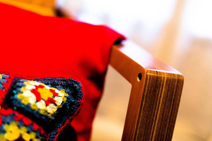 MOODY: Salones de estilo  de UNAMO design