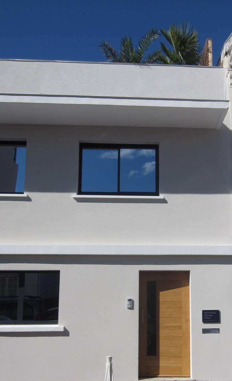 ARCHITECTURE CHEVALIER TOWLER: Maisons de style  par Architecture Chevalier Towler