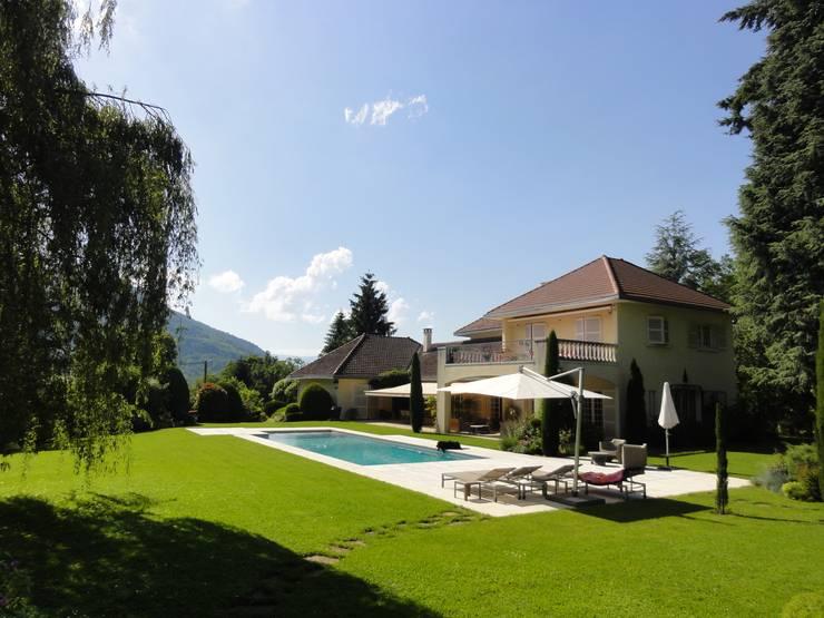Villa dans les Alpes:  de style  par Xavier Lemoine Architecture d'Intérieur