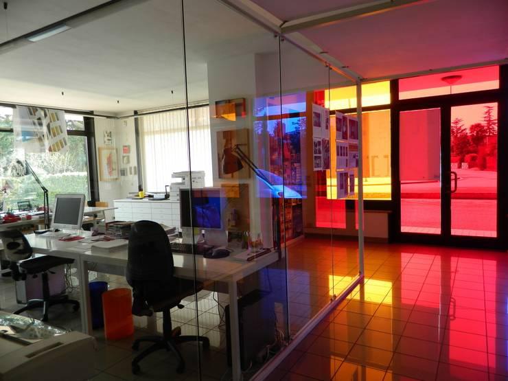 STUDIO www.graphosds.it: Studio in stile  di Graphosds