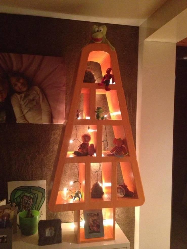 sapin de Noel : Maison de style  par Le show du carton