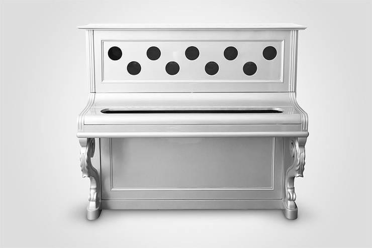 Piano Bar: Casa in stile  di J&Well