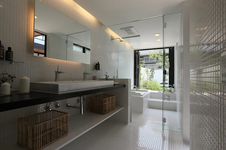 moderne Badkamer door Sakurayama-Architect-Design