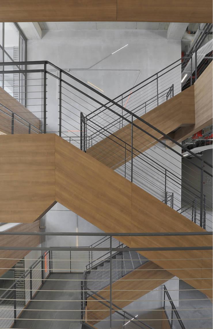 A Tasarım Mimarlık – TOBB Ekonomi ve Teknoloji Üniversitesi Teknoloji Merkezi:  tarz Okullar, Modern