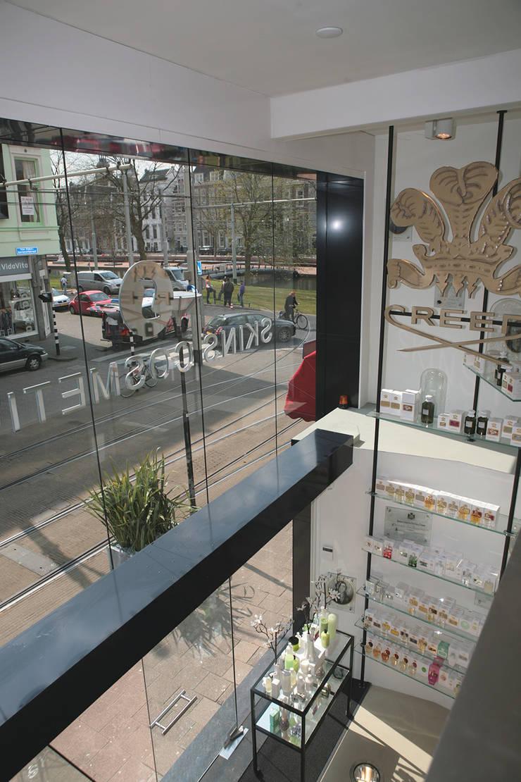 winkelpand Oldenbarneveldstraat:  Winkelruimten door Linea architecten