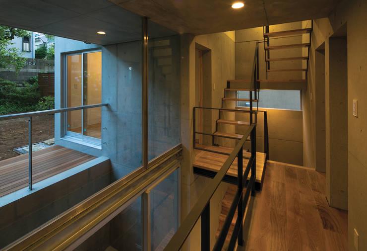 階段室: 株式会社フォルムス/FORMSが手掛けた廊下 & 玄関です。