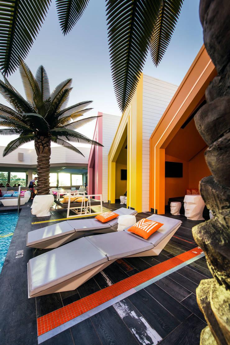 Matisse Beach Club by Mobilia:  de estilo  de Vondom