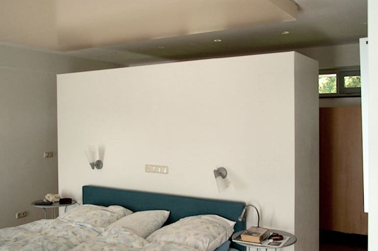 Bedroom by PHOENIX, architectuur en stedebouw