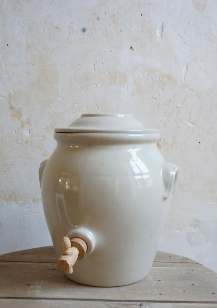 Manufacture de Digoin – Grès & Poteries, 1875 / Bourgogne: Cuisine de style  par Manufacture de Digoin Grès & Poteries, 1875 / Bourgogne