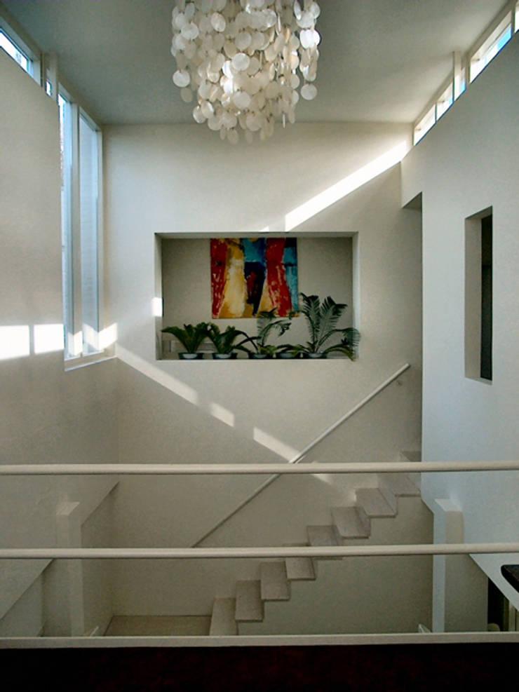 woonhuis in Voorburg:  Huizen door PHOENIX, architectuur en stedebouw, Modern