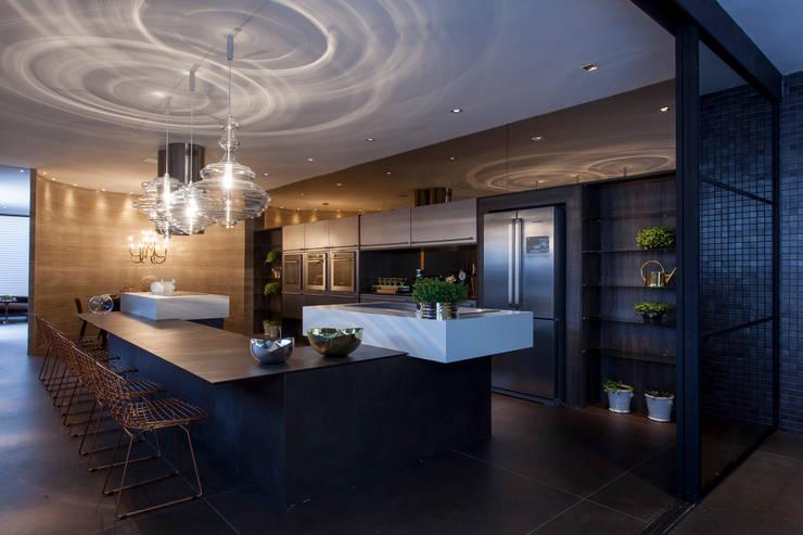 مطبخ تنفيذ Brunete Fraccaroli Arquitetura e Interiores