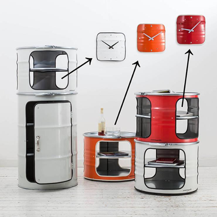 Horloges et meubles en bidon industriel: Bureau de style  par Rose Bunker