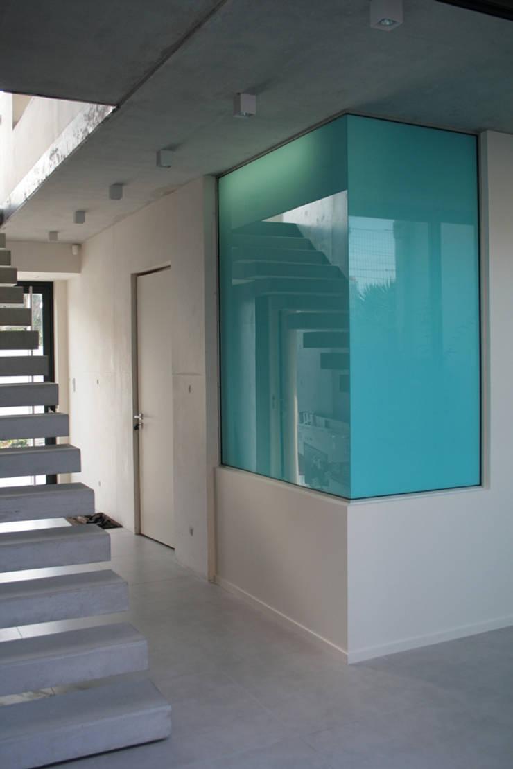 Maison - Biarritz: Salle de bains de style  par ISIT ARCHITECTURE