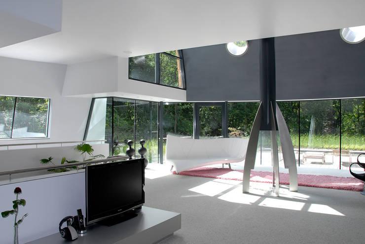 Villa Beekbergen:  Woonkamer door Factor Architecten