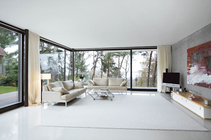 Living room by THOMAS BEYER ARCHITEKTEN
